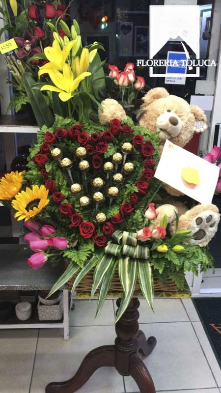 Corazón oso y chocolates