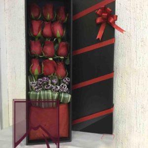 Caja madera c/12 rosas