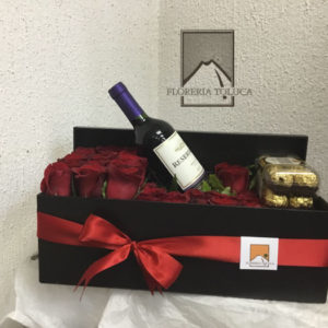 Caja larga chocolates y botella